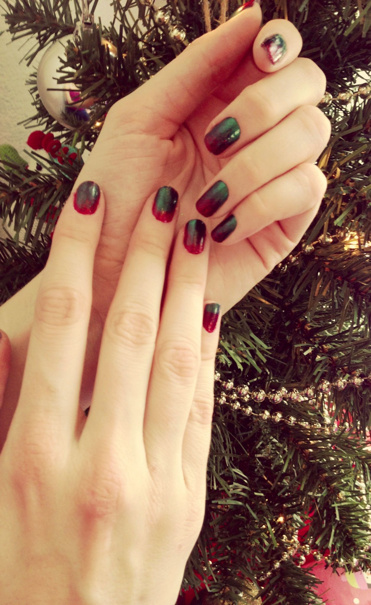 Red Ombre Nails Christmas.Nails This Week Christmas Ombre Nails For Nickels
